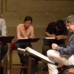 Sala cantanti con allievi direttori e maestri collaboratori.
