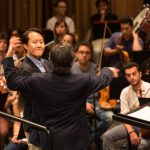 Prove pubbliche con gli allievi direttori, l'orchestra e i cantanti.