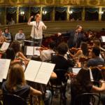 Riccardo Muti con Giedrė Šlekytė durante le prove della Traviata.