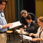 Riccardo Muti con gli allievi direttori d'orchestra.